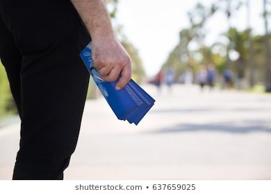 Quy định xử phạt phát tờ rơi dưới lòng lề đường